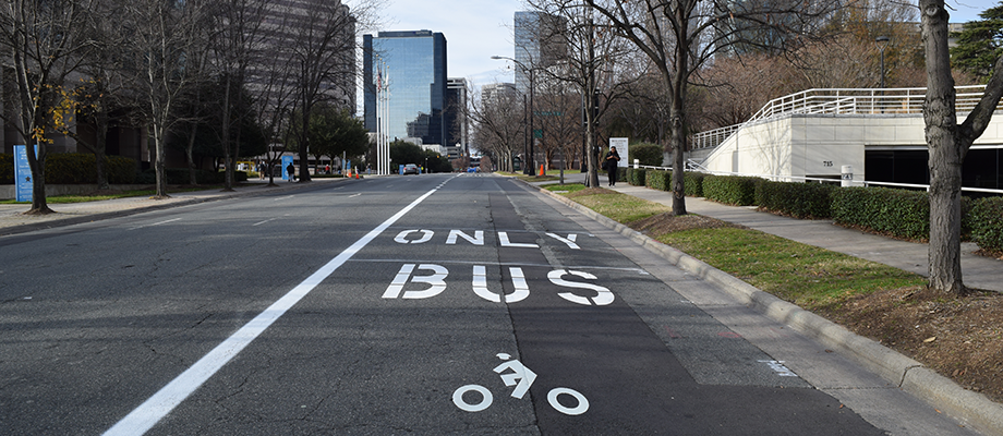 Bus/bike lane debuts on 4th Street